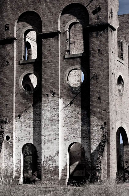 Denis Gallagher: Ruins, Lithgow, Photograph